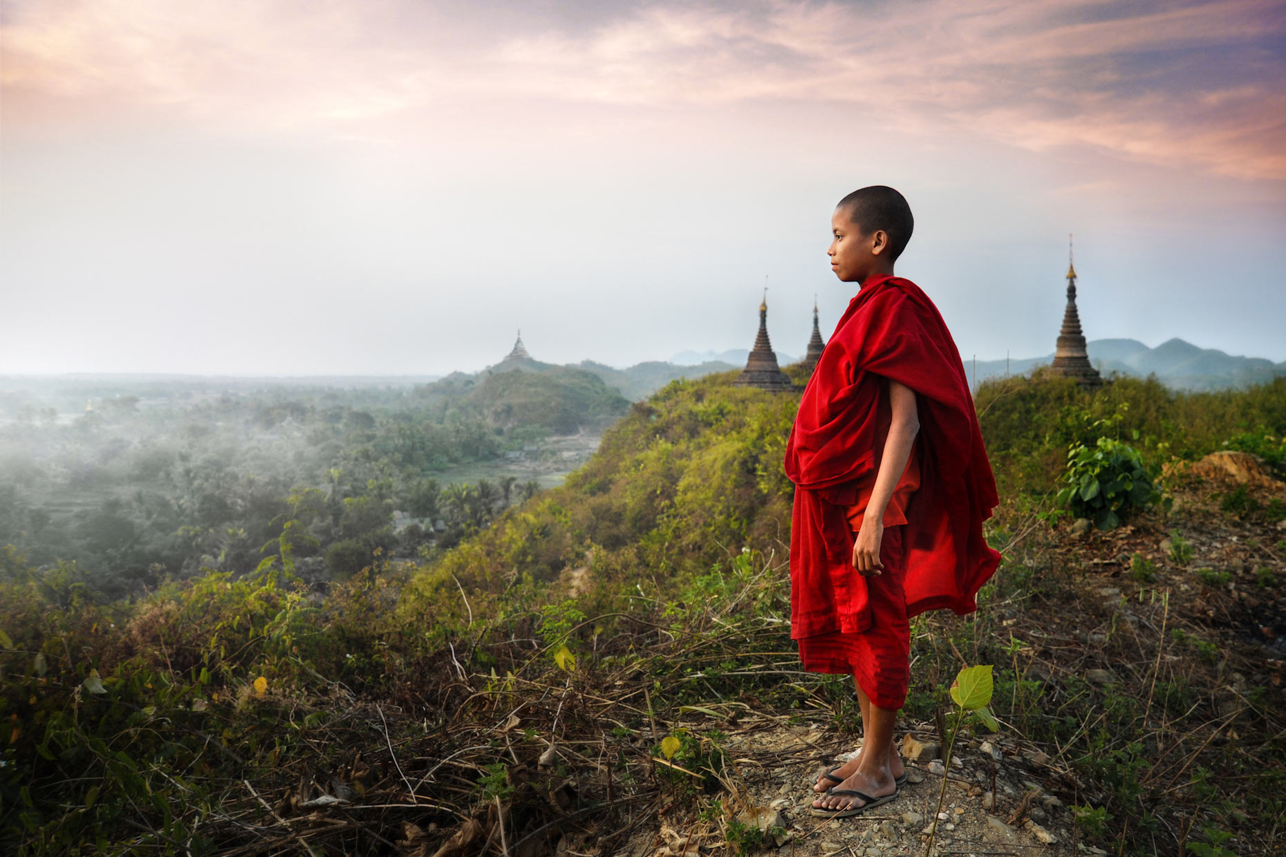 Burma-monk-kingdom.jpg