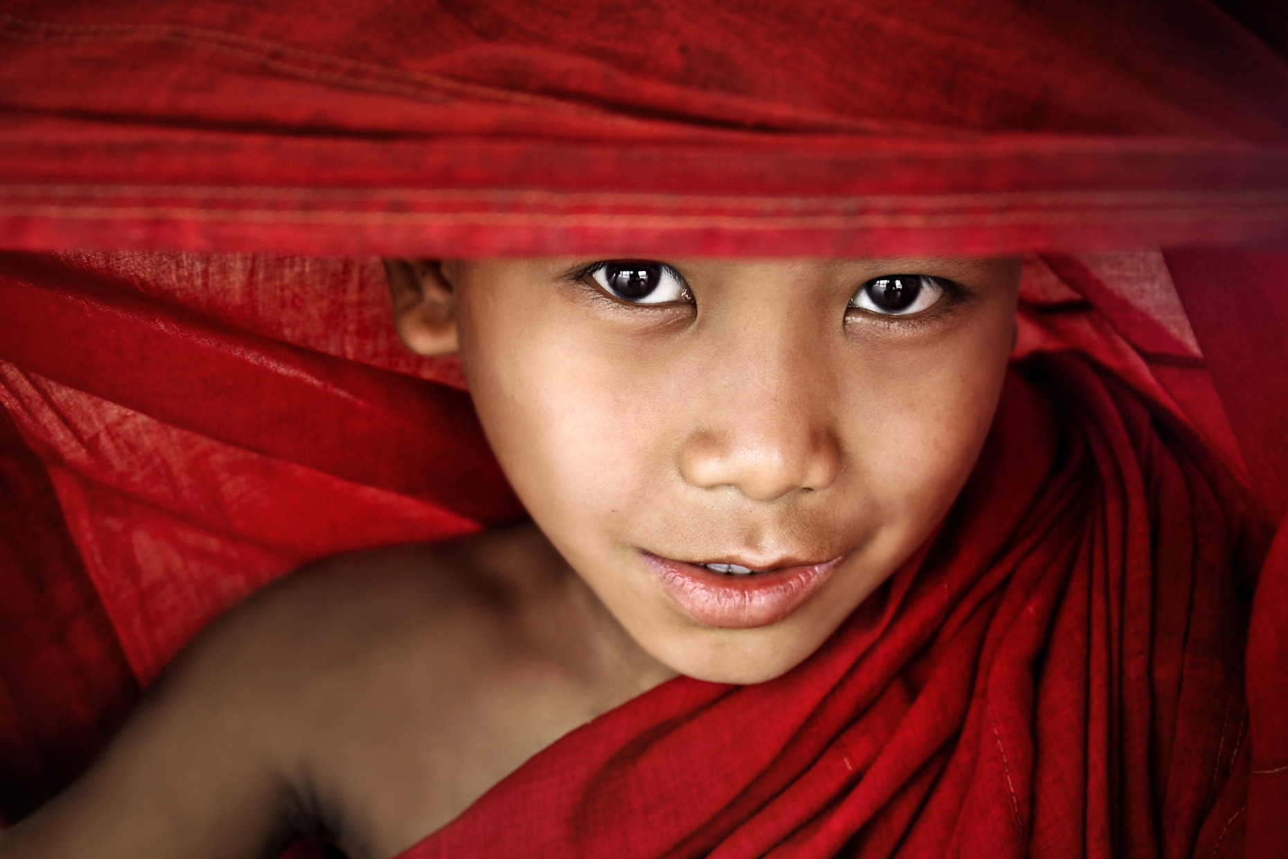 Burma monk Peeking-Through-the-Robes14.jpg