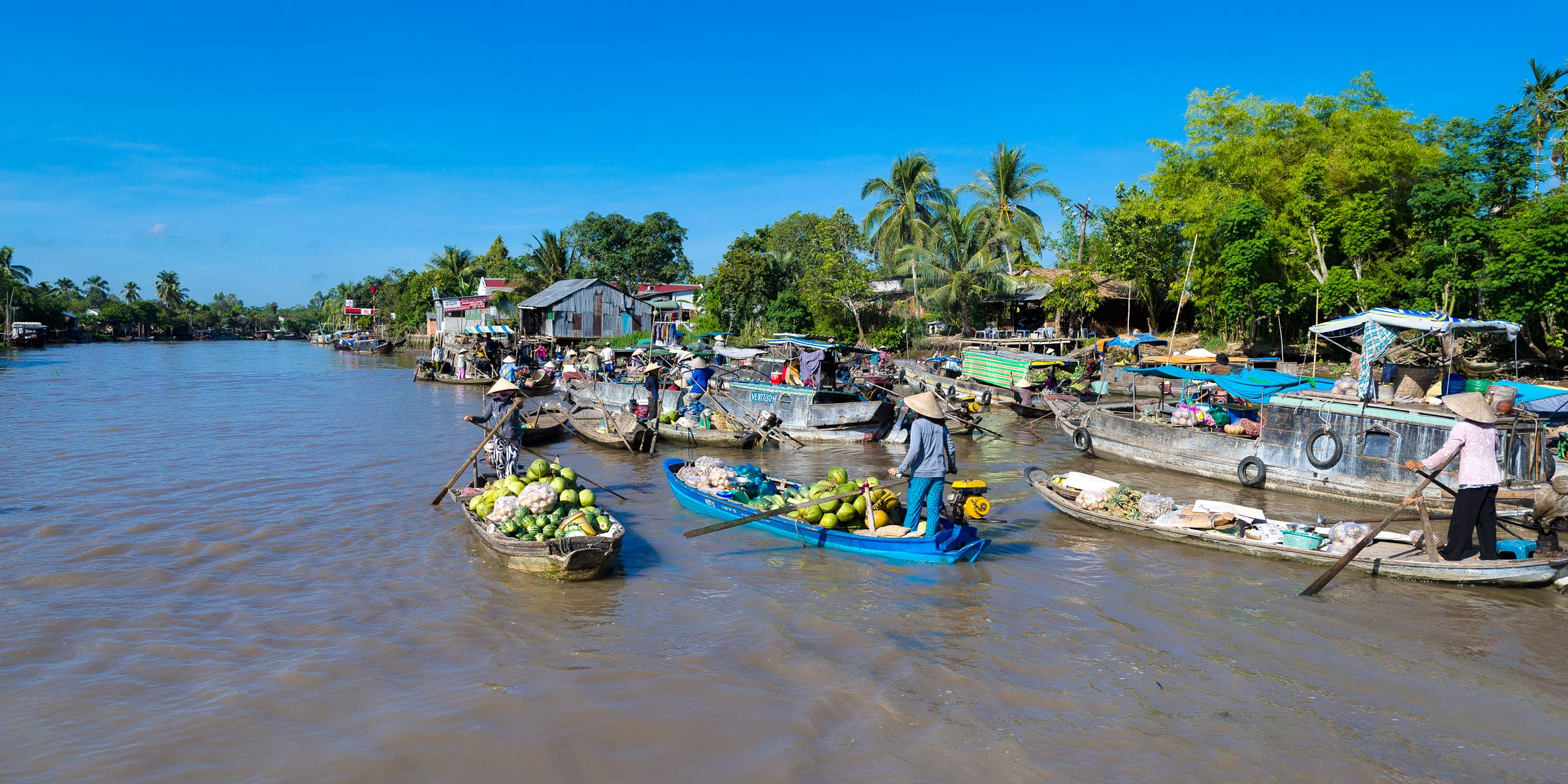 Phung-Hiep-Floating-Market-3
