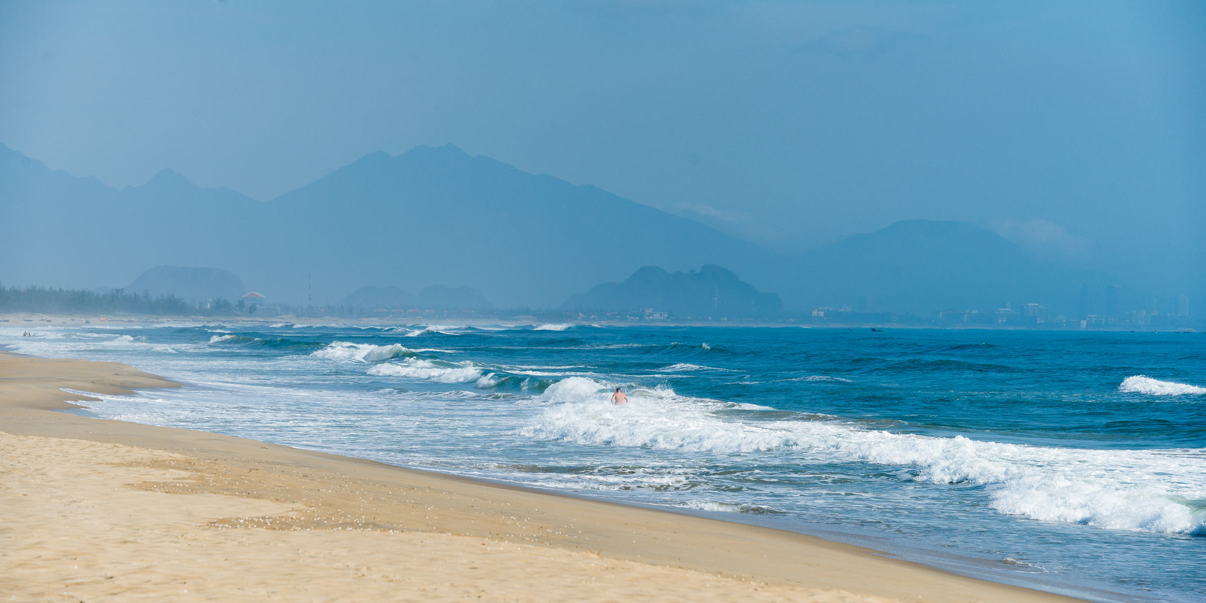 The-beaches-of-Danang-2
